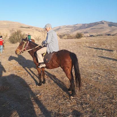 بازدید از روستای ساسنگ و کارگاه پارچه بافی
