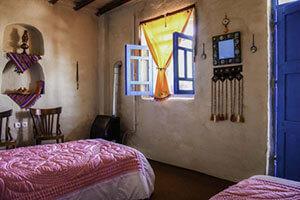 اتاق نارون اقامتگاه ساسنگ